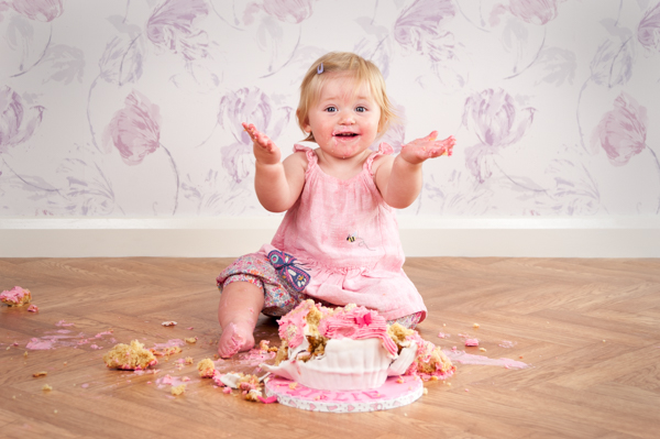 warrington-baby-photographer-cake-smash-photographer